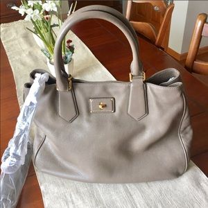 🌺NWT Marc by Marc Jacobs leather tote 👜 🌺